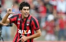 Dura caída del cuadro de Universitario en Brasil. Bruno Alves marca el camino de la goleada brasileña. (Foto: Lancenet.com.br)